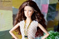 Mona (Lisbon_Fashion_Dolls) Tags: portrait monalisa barbie curls mattel macrophoto barbiedoll barbiecollector barbiehair mackiefacemold barbiebrunete