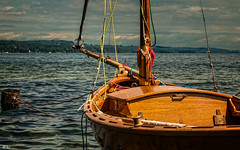 Summer feelings...[explore Jun 30, 2016] (roland_lehnhardt) Tags: blue light shadow summer panorama lake reflection nature water clouds landscape boot see licht boat wasser wind wolken blau landschaft schatten spiegelung segelboot starnbergersee wellen höhenried d80 bootsteg