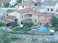 La Finca, Los Merenderos, Columpios y Piscina (brujulea) Tags: brujulea casas rurales espeja san marcelino soria chimenea finca los merenderos columpios piscina