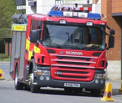 4480 - Surrey FRS - RX56 FKE - 100 (Call the Cops 999) Tags: uk england rescue john fire 1 town woking britain centre united sunday great may kingdom surrey vehicles gb vehicle and service dennis emergency 112 services scania 999 jdc 2016 fke p270 coachbuilders rx56