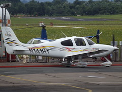N141HT Cirrus SR22 (Aircaft @ Gloucestershire Airport By James) Tags: gloucestershire airport n141ht cirrus sr22 egbj james lloyds