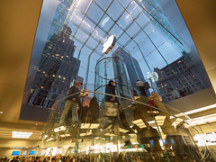 Apple Store, New York (jck_photos) Tags: america bigapple empirestate manhattan newyork newyorkcity northamerica us usa unitedstates unitedstatesofamerica architectural architecture building city commercialbuilding edifice edifices store streetscene structures