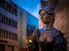 Molly Malone (picturesbyJOE) Tags: dublincity statues suffolkstreet countydublin dublin2 twilight evening city bluehour jeannerynhart europe ireland sculptures capitalcity dublincitycentre urban dublin ie