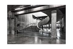 Modern Tate, London (Sylvia Kahler) Tags: moderntate herzogdemeuron london beton concrete schwarzweis