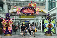 Bugis Junction #3 (chooyutshing) Tags: decorations singapore display entrance shoppingmall bugisjunction hylamstreet christmasfestival2014