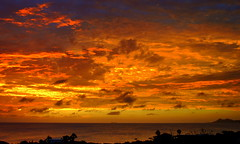 when evening falls over Bonaire (Frans Harteveld) Tags: sunset clouds dusk silhouettes bonaire antilles netherlandsantilles antillen schemer avondrood dutchcaribbean blinkagain bestofblink blinksuperstars caribbeannetherlands caribischnederland infinitexposure