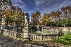 Autumn 2014 in Turin - 2 - La fontana dei Mesi (Roberto Defilippi) Tags: park autumn parco water torino acqua autunno turin fontana valentino rodeos 2014 nikond7100 robertodefilippi