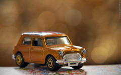 Gold Mini (peterphotographic) Tags: road uk england macro london car closeup gold nikon dof bokeh britain map sigma mini depthoffield e17 toycar matchbox walthamstow eastlondon diecast atoz allthatglitters sigma70210f28 macromondays d300s dsc3255edwm