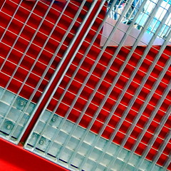 stairside (msdonnalee) Tags: red abstract rot architecture stairs rouge rojo architecturaldetail vermelho escalera seattlepubliclibrary abstracto astratto rosso escalier abstrakt  abstrait rd escala punainen abstractreality