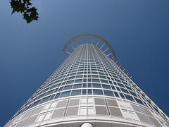 Frankfurt (O!i aus F) Tags: deutschland haus osm frankfurtammain k5 hochhaus 20120918frankfurt