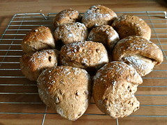 tear n share wholemeal rolls (Ex-Grungy Student) Tags: cooking kitchen bread wholemeal homemade breadrolls homebaked breakfastrolls