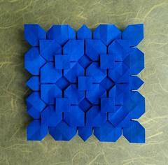 Clover Folding Variation - Shuzo Fujimoto (MihaelaEudaimonia) Tags: flowers paper grid origami clover tessellation variation folding fujimoto shuzo