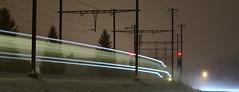 Zge im Emmental (Thomas Neuhaus) Tags: eisenbahn sbahn bls s4 emmental langzeitbelichtung signale bahnlinie lichtspuren bahhof hasleregsau eisenbahnsignal hauptsignal sbahnbern haslebeiburgdorf