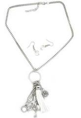 5th Avenue White Necklace P2620A-5