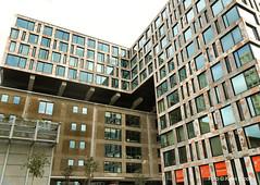 pakhuis & nieuwbouw_4-5-14 (kees.stoof) Tags: amsterdam architecture architectuur pakhuis nieuwbouw pietheinkade oostelijkhavengebied veemkade