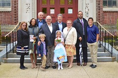 Family Photo After Violet's First Communion (Joe Shlabotnik) Tags: mom dad ben violet peter nancy danny sue everett firstcommunion verne 2016 afsdxnikkor35mmf18g may2016