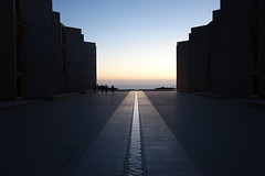 pics-of-Salk-Inst-at-ENCODE-meeting--DSC08359 (mbgmbg) Tags: sunset building series salkinstitute salk kw2flickr kwgooglewebalbum takenbymarkgerstein kwpotppt kwphotostream5 i0enc16 seriespicsofsalkinstatencodemeeting