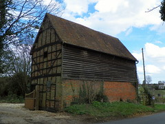 GOC Watton-at-Stone 056: Former stable, Tewin (Peter O'Connor aka anemoneprojectors) Tags: england building architecture barn kodak outdoor stable hertfordshire listed listedbuilding 2016 gradetwo goc tewin gradeiilisted grade2listedbuilding grade2listed gradeiilistedbuilding gradetwolisted gayoutdoorclub gradetwolistedbuilding z981 kodakeasysharez981 gochertfordshire hertfordshiregoc gocwattonatstone