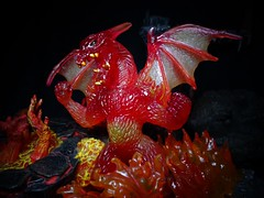 Fire Dragon (ridureyu1) Tags: toy toys actionfigure dragon schleich firedragon toyphotography schleichdragon sonycybershotsonycybershotdscw690