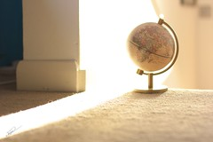 Exploring dreams [Explored #10] (Jorgepevet) Tags: brown london home globe floor unitedkingdom earth exploring sunny dreaming explore dreams redhill tierra