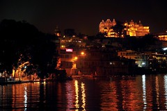 City Palace and Gangaur Ghat at night, Udaipur. (Olivier Simard Photographie) Tags: christmas india lake color water architecture night buildings landscape temple gold evening asia eau nocturnal fort couleurs or lac palace reflet palais asie nightphoto soire paysage hinduism nuit reflets nocturne akbar rajasthan sacr udaipur citypalace inde bagheera reflects octopussy divali ghat pichola hindouisme maharadjah guirlandes photodenuit udapur indou nikond90 picholalake lacpichola brahmapuri gangaurghat rajaangan oliviersimardphotographie httpelephantravelcom