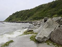 Hiddensee_e-m10_1008127049 (Torben*) Tags: rawtherapee olympusomdem10 olympusm17mmf18 urlaub vacation hiddensee ostsee balticsea beach strand brandung surf algen algae