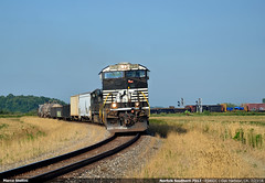 Twisting... (Marco Stellini) Tags: norfolk southern rr railroad es40dc gevo ohio oak harbour