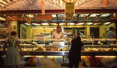 Munich_at_night_R_3006 (greendarkroom) Tags: agfact diafilm greendarkroom munichatnight mnchen oktoberfest scans wiesn2016 lights bokeh fair people sunset light black blue munich cultur germany night