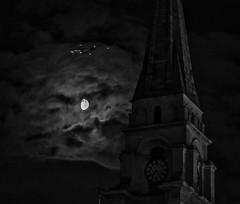 (julchan) Tags: london commercialstreet christchurch whitechapel moon flying airplane spitalfields