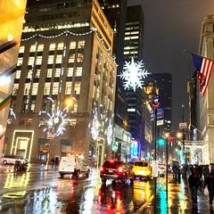 New York, 5th Ave. (moatasemz) Tags: winter newyork rain 5thave عدستي المصورونالعرب