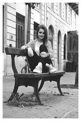 DSC_0118 (Solène Tarrieu) Tags: people france beautiful smile blueeyes femme bordeaux happiness lips baskets blonde rue banc trottoirs solènetarrieu