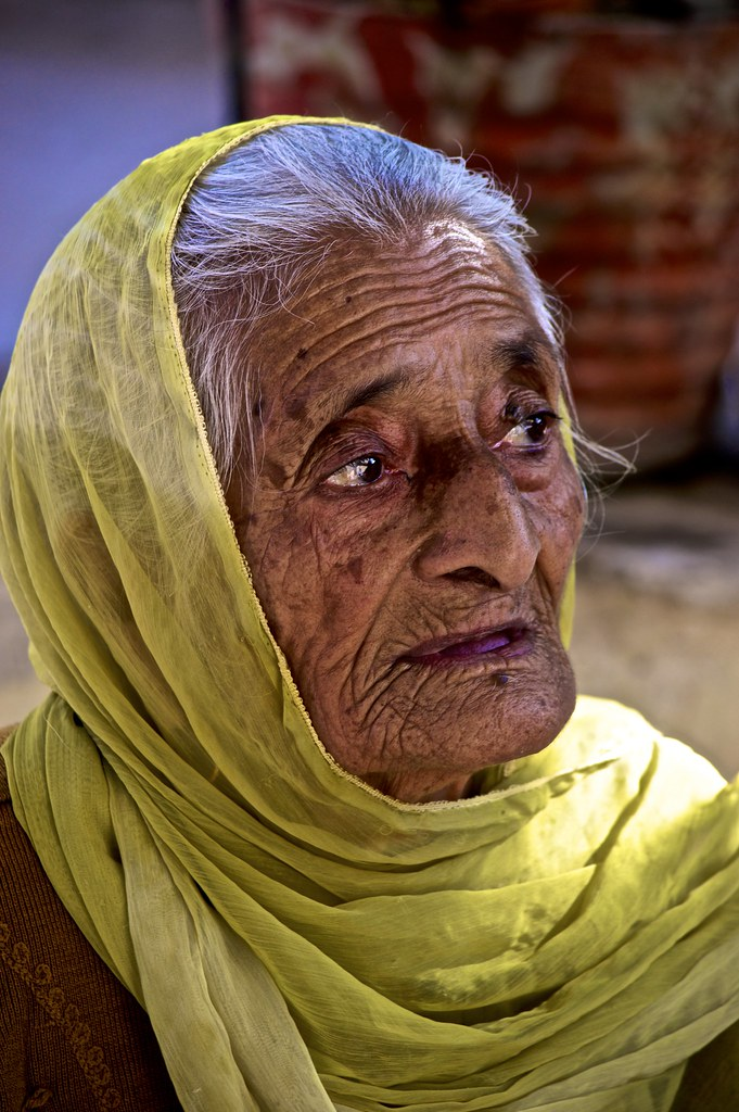 old age and wise indian woman 2018-01-02 age height weight chart for women & men details the height to weight ratio on a  age height weight chart & height weight ratio  find out how your choices are influencing your chances of reaching old age healthy and.