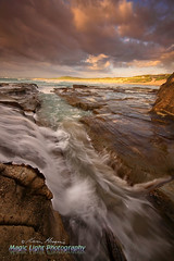 Soldiers Beach Sunrise 02 Nov 2014 IMG_2332 1050 (Magic Light Photos) Tags: seascape beach sunrise waves norahhead soldiersbeach