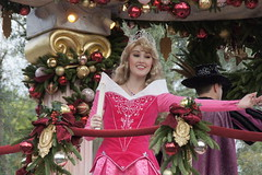 Aurora in Christmas Fantasy Parade at Disneyland (GMLSKIS) Tags: california princess disneyland disney parade aurora amusementpark anaheim sleepingbeauty