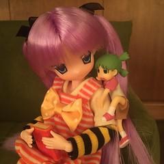 Yotsuba wants to read, too! (Ringochan39) Tags: anime doll yotsuba luckystar mamachapp
