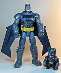 Mattel – Electro-Armor Batman & Jada – Metals Die Cast – Armored Batman – For God Sake Cheese!! (My Toy Museum) Tags: superman v armor batman armour armored mattel jada diecast armoured