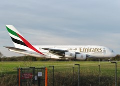 A6-EDW (AnDrEwMHoLdEn) Tags: manchester airport emirates a380 manchesterairport egcc 05l