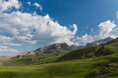 Pyrenen (David Schiersner) Tags: blue sky france mountains green nature clouds canon landscape eos frankreich natur himmel wolken grn blau dslr landschaft pyrenees pyrnes gebirge pyrenen 700d 1018mm