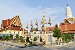 _DSC0310 (lnewman333) Tags: sea statue river thailand temple seasia southeastasia buddhist ayuthaya rooster ayutthaya chaophrayariver cockerel kingramathibodii watputthaisawan