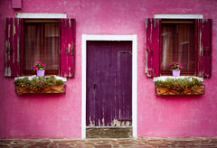L'histoire d'une maison / The story of a house (YS-Photography) Tags: italie faade burano publication canaux paysagesurbains paysagesmarins