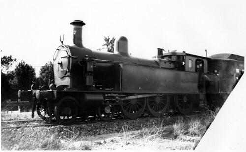 Brighton loco SAR F247 on suburban train (mb-b04-53)