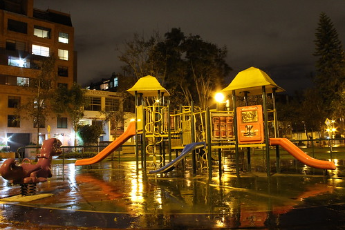 Parque El Virrey (Vagamundos) Tags: parque luz noche bogotá fotografía romántico reportería bogotánocturna sitiosdeencuentro