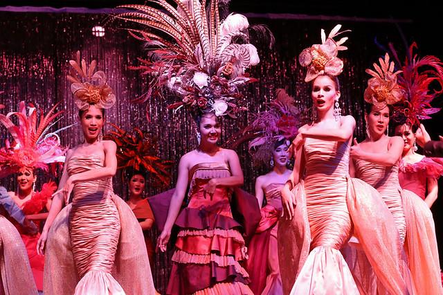 タイ古典舞踊ディナー&ニューハーフショー(カリプソキャバレー)(ショー・ミュージカル・パフォーマンス・公演・演劇のオプショナルツアー)