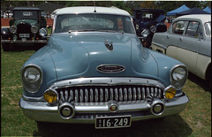 Buick - showing its teeth (nickant44) Tags: film 35mm ed nikon kodak south australia scan v sp 400 tamron portra coolscan fa a01 3580mm