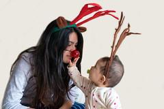 Felices fiestas! (Cesar Poblete S.) Tags: children child niños bebe renos hijas