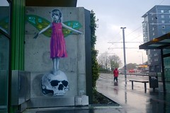 AFK (motveggen) Tags: streetart stencil bergen afk gatekunst kvinne menneske streetartbergen