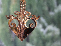 Christmas Ornament, Robin's Nest (Jac Hardyy) Tags: christmas window beautiful robin weihnachten gold nice advent heart nest decoration robins ornament 1992 lovely jul nol schmuck jensen georg dekoration adventsschmuck