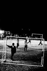 (bisonte invencible) Tags: blackandwhite blancoynegro film 35mm canon football kodak soccer futbol biancoenero blancetnoir