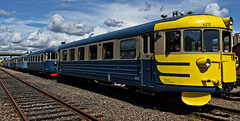 Ltthatut (ri Sa) Tags: old finland helsinki flat hats trains commuter pasila ltthatut