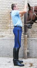 bootsservice 06 1228 (bootsservice) Tags: horse paris army cheval spurs uniform boots military cavalier uniforms rider cavalry militaire weston bottes riders arme uniforme gendarme cavaliers equitation gendarmerie cavalerie uniformes eperons garde rpublicaine ridingboots